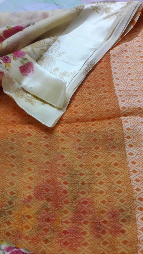 Digital-printed-linen-saree-patel-peach-floral-min